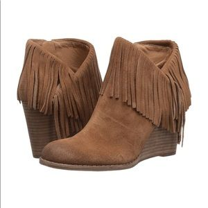 CLEAR OUT SALE ✨ Lucky Brand Fringed Boot!